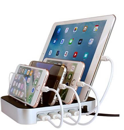 Have a child or a friend in college? Get them a gift they will actually use this holiday season! This is a charging dock for all their gadgets. It charges the gadgets while keeping the desk free from messy wires. .(Aff)