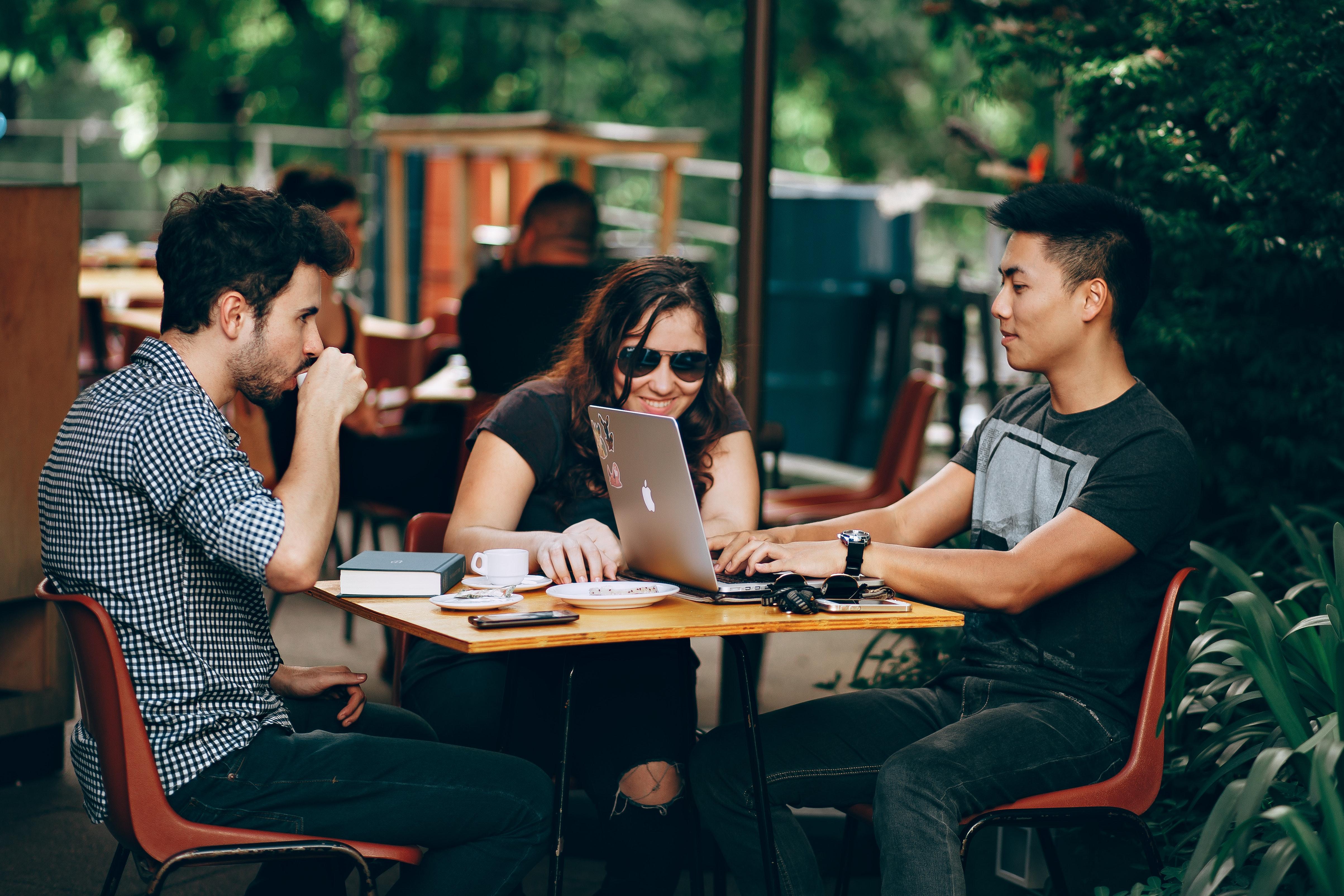 Balancing The Social/Working Balance Of College